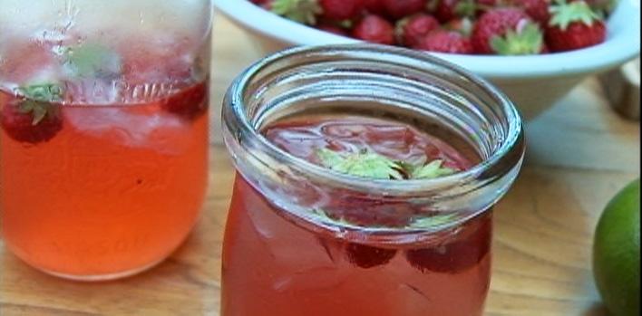 Cocktail aux queues de fraises par charles antoine cr te for Cocktail quebecois